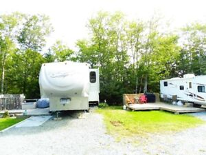 Beautiful and clean fifth wheel travel trailer