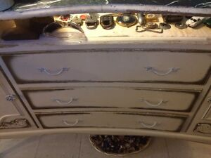 Gorgeous 3 piece display/cash register cabinet Strathcona County Edmonton Area image 6