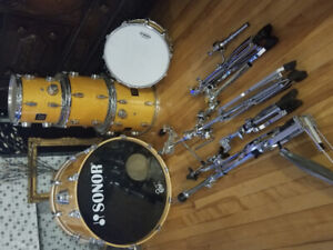 Sonar force 3001  5 peice drum kit.