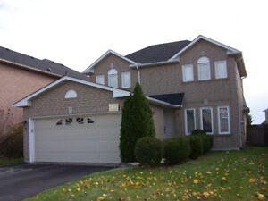 Stunning detached house in Mississauga heartland area for rent