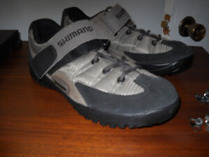 Shimano Womens Cycling/Spinning Shoes Size 7 Like New!!!