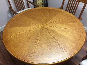 OAK GAMES TABLE WITH FOUR MATCHING CHAIRS FOR SALE