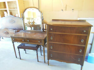 Bedroom Set Antique
