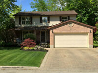 BEAUTIFUL & PRESTIGIOUS TUSCAN STYLE HOME IN NORTH WATERLOO