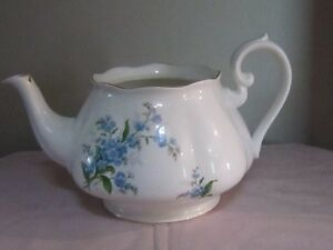 ROYAL ALBERT FORGET-ME-NOT CHINA FOR SALE! Moose Jaw Regina Area image 9