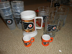 philadelphia flyers nhl scoreboard light and many collectables London Ontario image 3