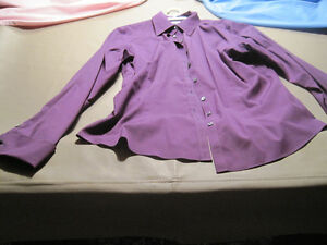 7 Women's Button Down Shirts Cornwall Ontario image 1