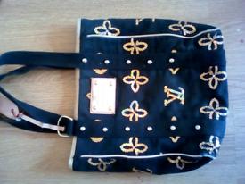 f99fe6db9f17 Louis Vuitton shoulder bag