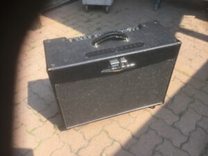 Crate 5212 guitar amplifier
