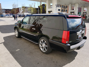 2010 Cadillac Escalade ESV - Fully Loaded - Accident FREE