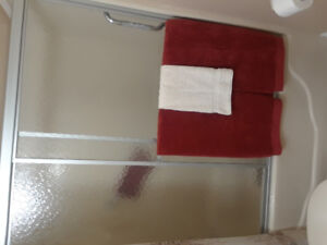 BATH/TUB  SHOWER DOORS
