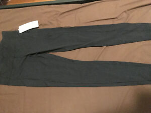 never worn lululemon size 6 leggings pants with tags