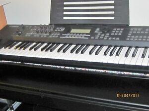 Yamaha M0X 6 ARRANGER WORKSTATION