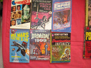 6 Vintage Science Fiction Paperbacks all for 15$