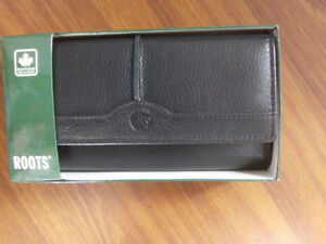 New Roots Wallet Black