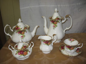 Set de thé Royal Albert, Old Country Roses England