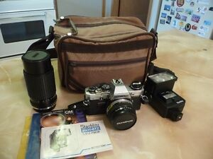 35mm Olympus OM10 Camera and Acessories