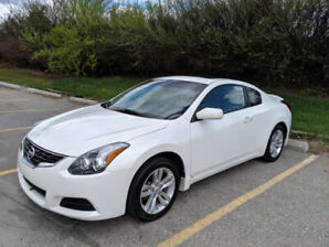 2012 Nissan Altima 2.5 S Coupe 2dr- Fully Loaded, Low KMs