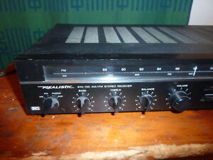 Ampli Vintage Realistic STA-700  AM/FM Stereo Receiver