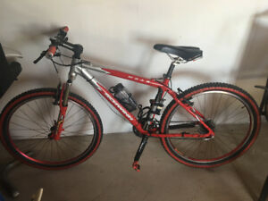 SCHWINN MOAB MOUNTAIN BIKE LIKE NEW