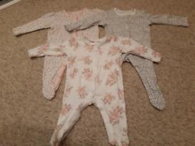 Mini girls bundle of clothes (0-3 months)