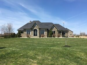 OPEN HOUSE MAY 1st CUSTOM RANCH HOME IN WOODSLEE - LAKESHORE