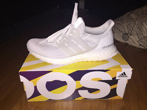 Ultra Boost Triple White Size 8 Womens
