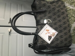 Selling Brand New Dooney and Bourke tote handbag for $90.00 !