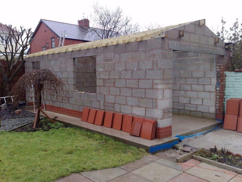 Dw garages and garden walls in knightswood glasgow for Garden garage designs