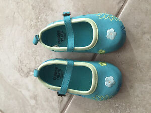 Baby girl blue dress shoes size 4
