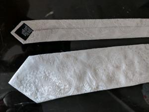 Hugo Boss Paisley Silver/White tie