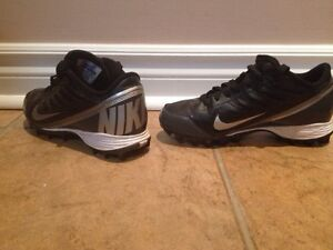 Football cleats Youth