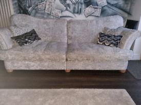Luxury 4 Seater sofa batgain!!