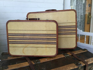 REDUCED! Vintage Travelgard luggage set (A165)