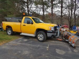2012 GMC 3500 Vortec V8 4x4 with Artic plow system, and Hydrauli