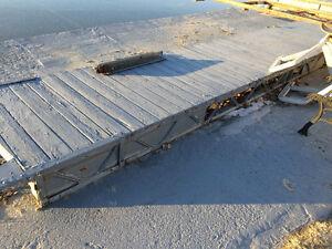 Quais (2) de bois pour Bord de l'eau