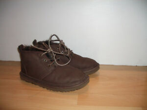 "Shearling boots "" UGG "" bottes mouton -- size 8 US men / 9 lady"
