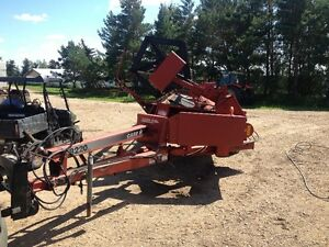 Case IH 8220 25' pull type swather with Roto Shear