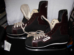 HOCKEY SKATES BAUER 54 MENS SIZE 12 EXCELLENT COND