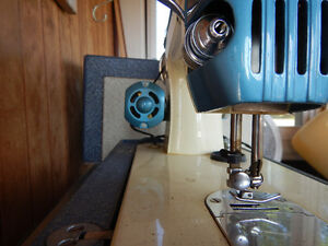 Imperial sewing machine Cambridge Kitchener Area image 3