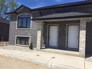 BRAND NEW 3 BDR TOWNHOMES/ HOUSE FOR RENT 1400.00 PLUS UTILITIES