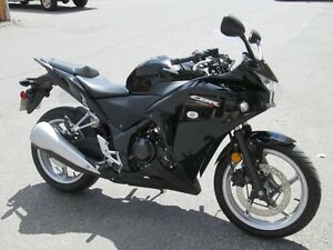 2011 HONDA CBR 250 MINT CONDITION