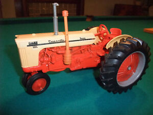 Case 800 Tractor 1:18 Scale