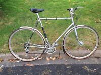Viscount Aerospace Town Bike. 22.5 inch 57cm lightweight frame.