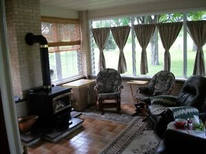 BEAUTIFULL RANCH STYLE HOME OVERLOOKING ALEXANDRIA Cornwall Ontario image 4