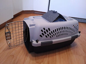 Pet Kennel / Crate / Carrier - small