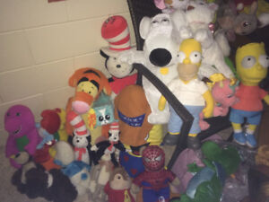 HUGE LOT of OVER 100+ Stuffed Animals 6  Inches to 3 Feet Tall