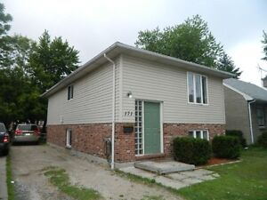 ATTN. STUDENTS: 5 BEDROOM HOUSE FOR RENT_171 RANKIN