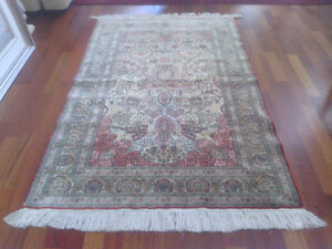 Very Fine Hereke Hand-Knotted Silk Rug - 800-850 kpsi North Shore Greater Vancouver Area image 9