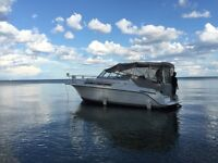 LOW HOURS 1996 Carver Yacht 280 with PAID Marina FEEs